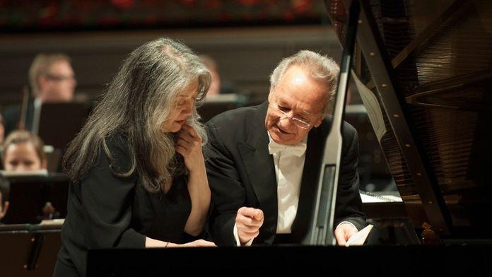 Ravel - Concerto pour piano en sol majeur interprété par Yuri Terminakov et Martha Argerich