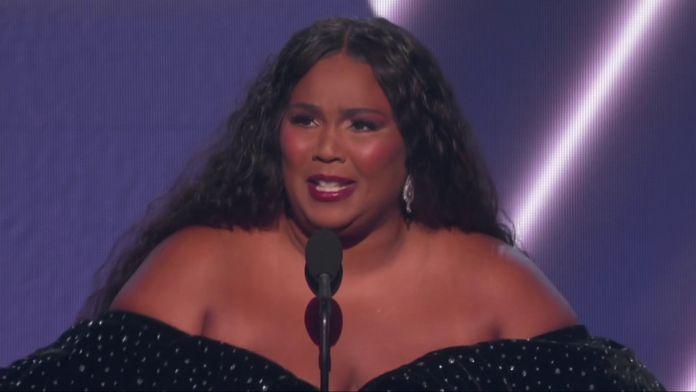 """Lizzo remporte le Grammy de la """"Meilleure Chanteuse Pop"""""""