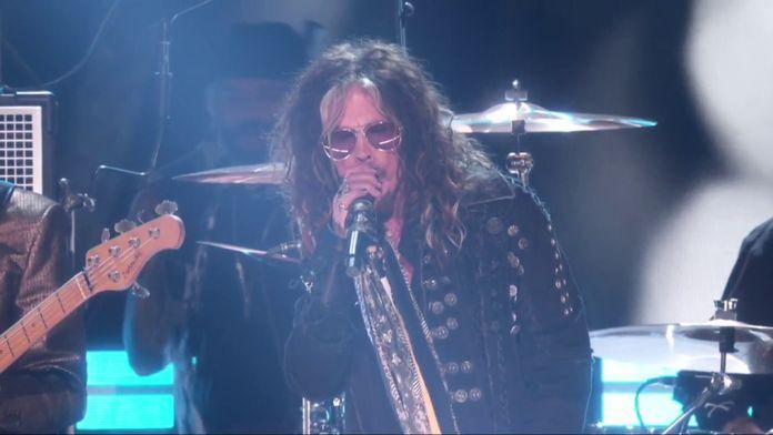 Aerosmith & Run DMC – Living On The Edge & Walk This Way (LIVE)