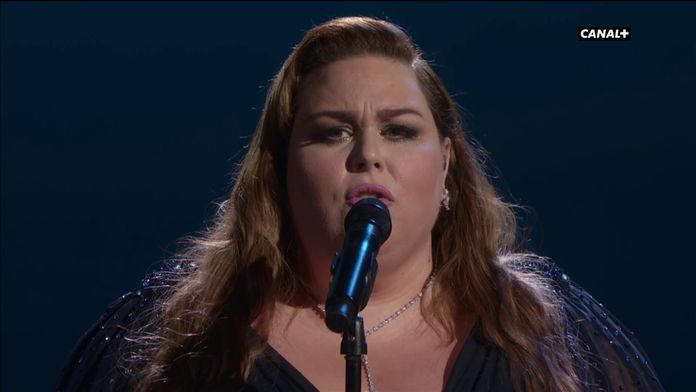 "Chrissy Metz interprète ""I'm Standing With You"" (Breakthrough) - Oscars 2020"