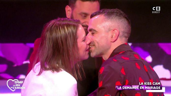 """Nicolas et Typhanie se fiancent lors de la soirée spéciale """"TPMP de l'amour"""" !"""