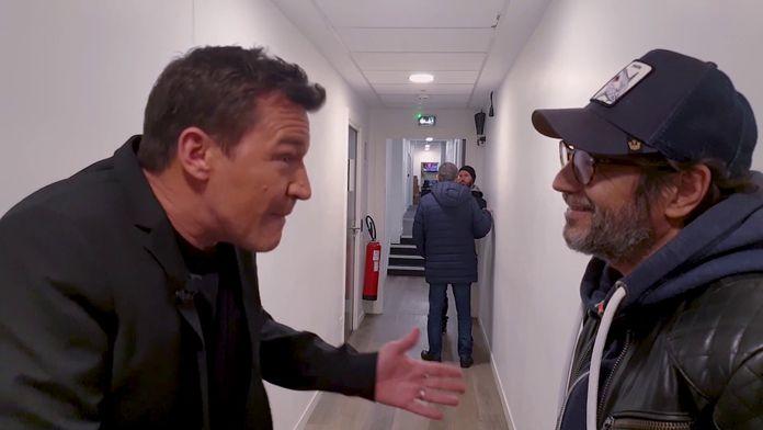 OFF TPMP : Cyril Hanouna danse avec un dé, Benjamin Castaldi raconte une blague