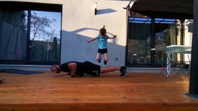 Exercice physique avec David et Lola Baudrier : Golf+ à la maison