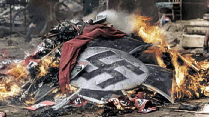 La chute du Reich : 1945, la chute du Reich