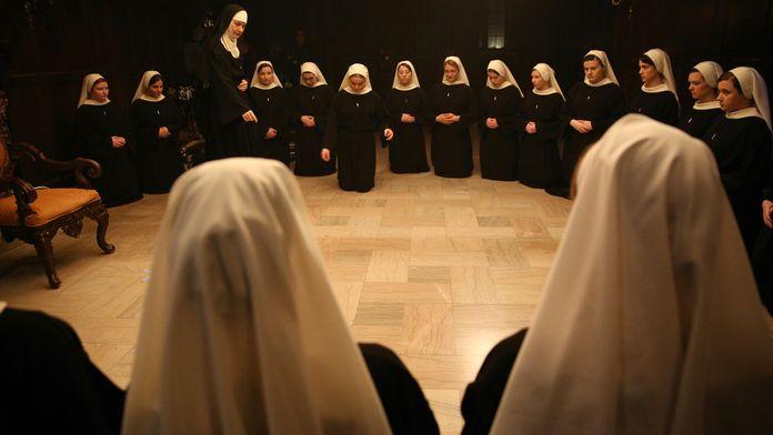 Novitiate : Au-delà de la dévotion