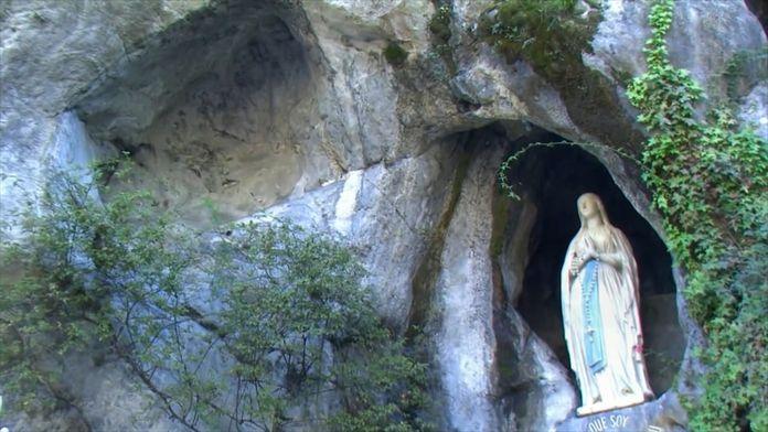Le mystère de la grotte de Lourdes