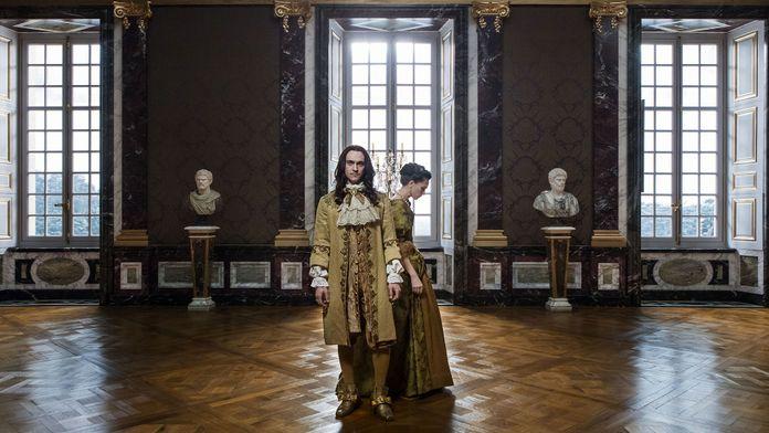 Résumé Versailles Saison 2