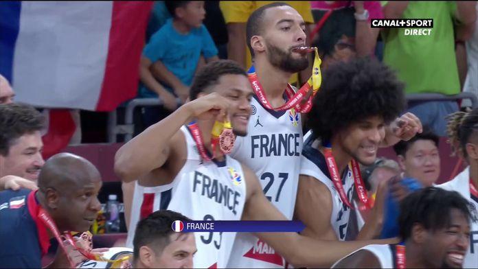 L'intégralité du podium pour les basketteurs français