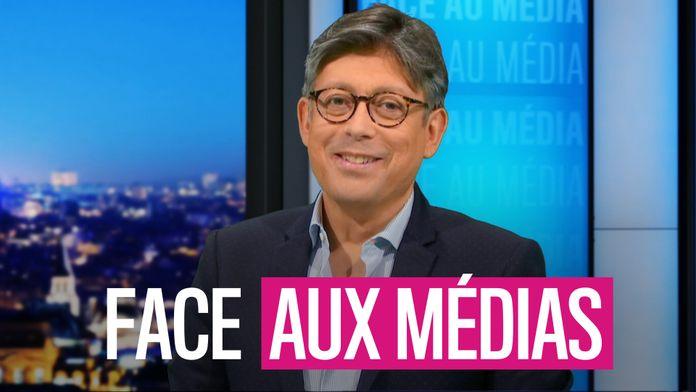 Face aux médias