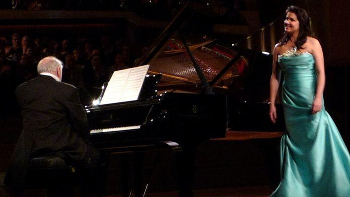 Daniel Barenboim et Anna Netrebko interprètent des Chansons Russes
