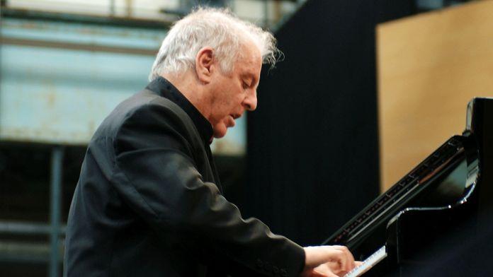 Beethoven - Concerto pour piano n°1 interprété par Daniel Barenboïm