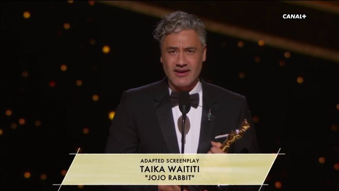 Taika Waititi reçoit l'Oscar de la meilleure adaptation pour Jojo Rabbit - Oscars 2020