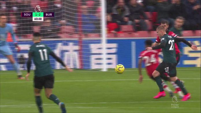 Le but magnifique de Vydra qui donne la victoire à Burnley : Southampton / Burnley
