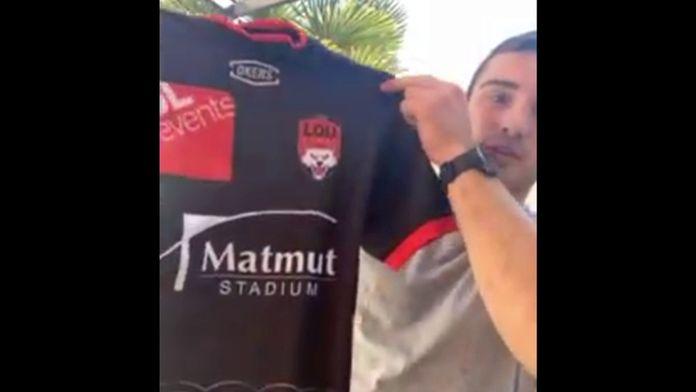 Baptiste Couilloud parle avec émotion du premier maillot porté avec le LOU au Stade Gerland : Un maillot, un souvenir