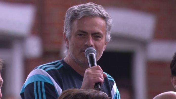 2015 : Chelsea célèbre son cinquième titre de champion : Archive Premier League