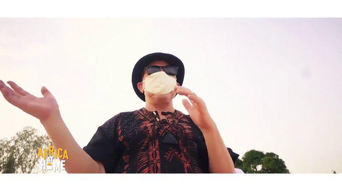 Salif Keita - Attention Coronavirus (LIVE)
