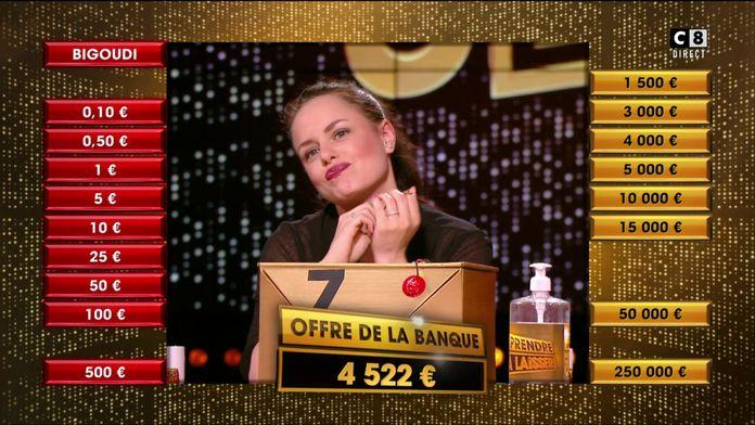 Après l'élimination de boîtes dorées, Sarah va-t-elle succomber à l'offre du banquier ?