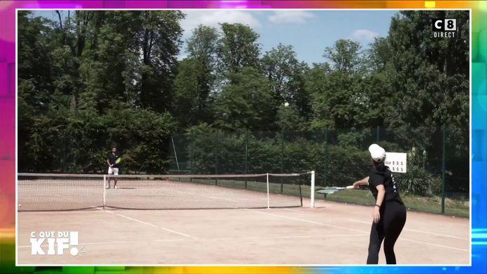 Cyril Hanouna et Géraldine Maillet s'affrontent lors d'un match de tennis