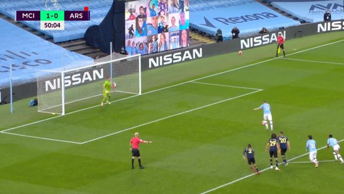 Le penalty de Kevin De Bruyne après l'expulsion de David Luiz : Manchester City / Arsenal