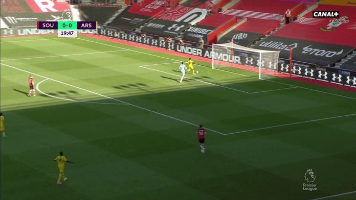 La boulette de McCarthy sur l'ouverture du score des Gunners : Southampthon / Arsenal