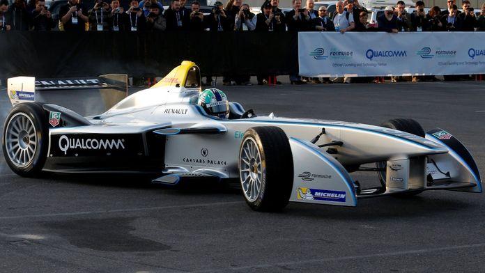 Formula E : Race to a Greener Future