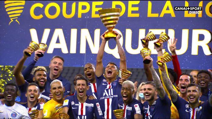Le PSG soulève le trophée : Coupe de la Ligue BKT