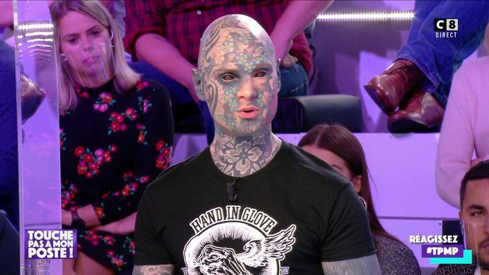 """Freaky Hoody, le """"professeur tatoué"""" témoigne sur le plateau de TPMP"""