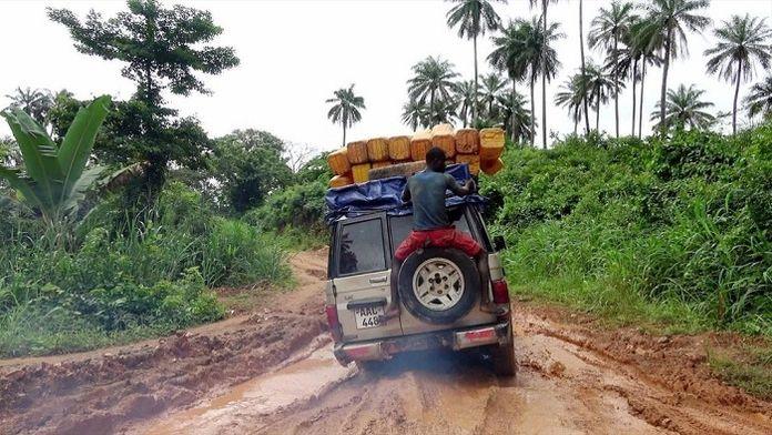 Les routes de l'impossible : Sénégal, la tête hors de l'eau