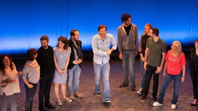 La troupe à Palmade s'amuse avec Muriel Robin : Muriel Robin