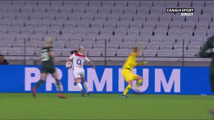 Eugénie Le Sommer ouvre le score pour Lyon !