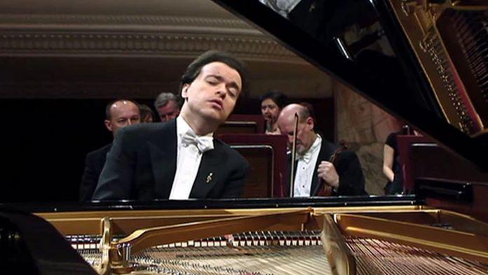 Evgeny Kissin joue Beethoven, Chopin, Liszt et Mendelssohn, dirigé par Thomas Hengelbrock