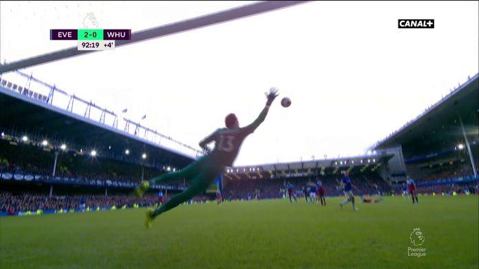 La sublime frappe de Sigurdsson qui scelle la victoire d'Everton
