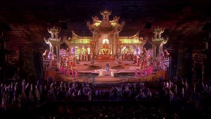 Puccini - Turandot : Arènes de Vérone (Vérone, Italie), 2010