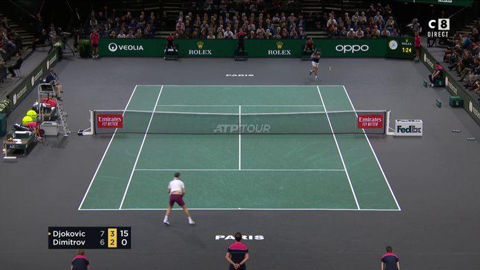 Libéré, Djokovic lâche un sublime revers long de ligne