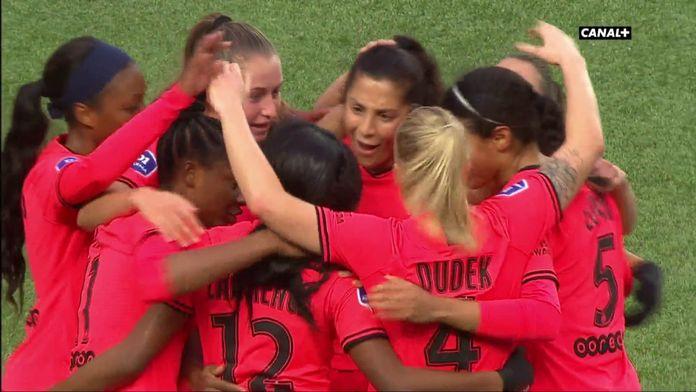 Ashley Lawrence ouvre le score pour le PSG contre Montpellier
