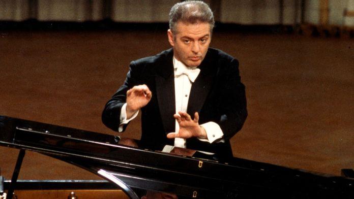 Daniel Barenboim joue et dirige le Concerto pour piano n°21 de Mozart
