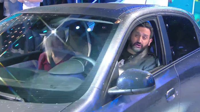 La folle arrivée de Cyril en voiture sur le plateau de TPMP