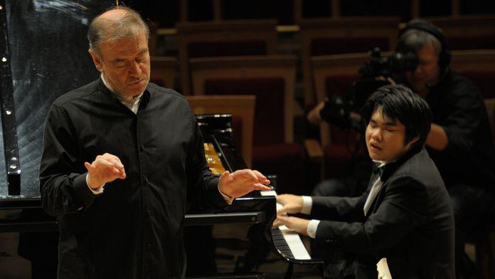 Chostakovitch - Symphonie n°14 dirigiée par Valery Gergiev