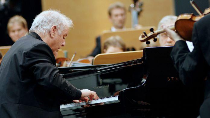 Beethoven - Concerto pour piano n°5, joué et dirigé par Daniel Barenboïm
