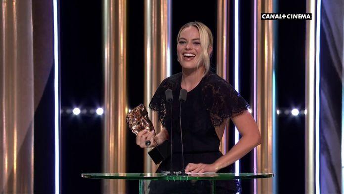 Margot Robbie représente Brad Pitt, prix du meilleur acteur pour un second rôle  - BAFTAs 2020