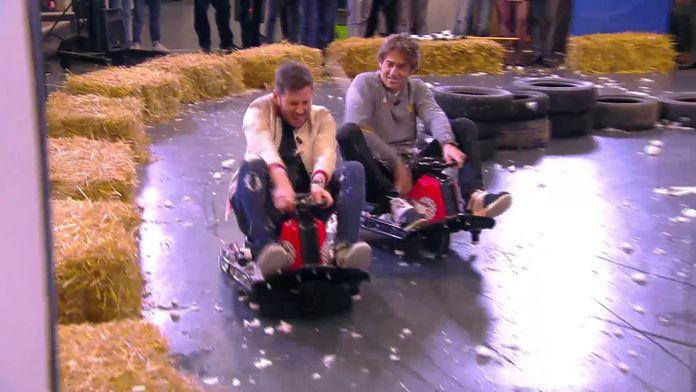 L'équipe de Top Gear et les chroniqueurs s'affrontent dans une course de kart