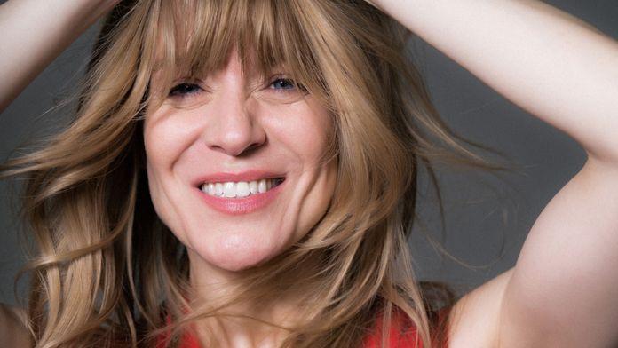 L'imitatrice québécoise, Véronic Dicaire, revient à travers la France avec son nouveau spectacle « Show Girl Tour »