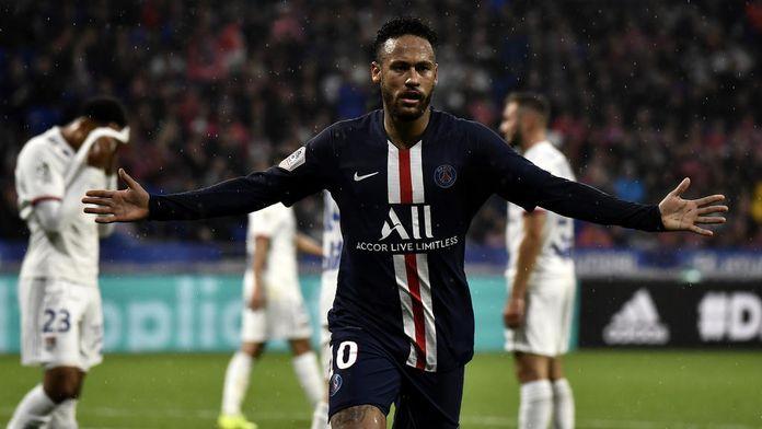 Neymar fait plier Lyon