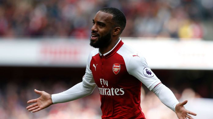 LACAZETTE, MARTIAL ET NDOMBÉLÉ CONTRAINTS DE QUITTER LA PREMIER LEAGUE ?