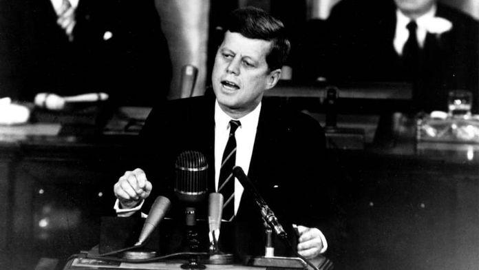 """L'incroyable histoire de JFK et de son """"Dr. Feelgood"""""""