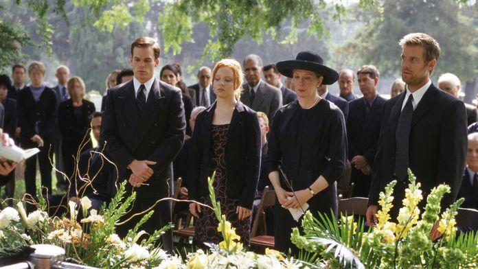 Pourquoi il faut (re)voir Six Feet Under (OCS), la meilleure série sur la mort