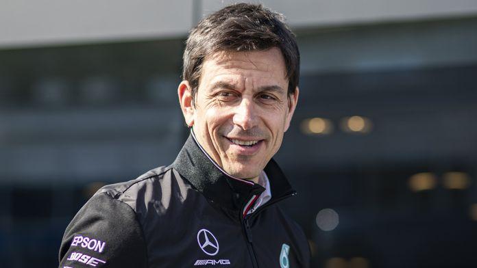 """Wolff : """"Je suis et resterai le directeur de Mercedes"""""""