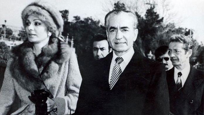 À droite sur la photo: un documentaire sur la chute du dernier shah d'Iran