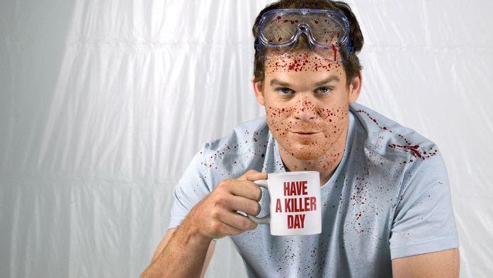 Pourquoi il faut (re)voir Dexter, la série la plus sanglante de tous les temps