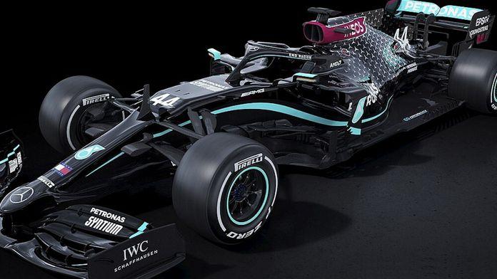 Mercedes dévoile une livrée noire pour la saison 2020